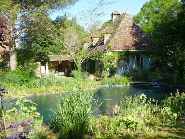 maison d'hôtes au bord de la rivière Dordogne - Bergerac - Huis