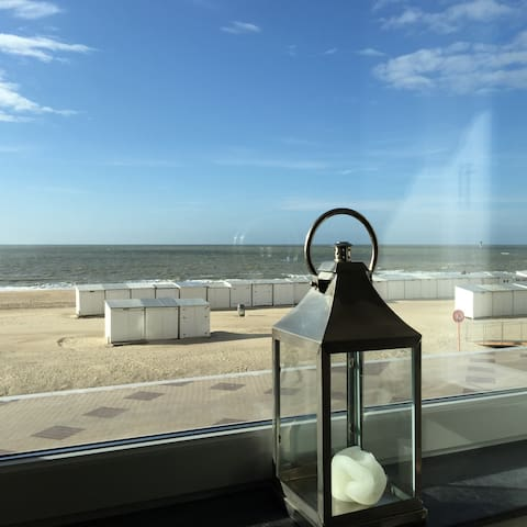 On the beach charming apartment with parking - Knokke-Heist