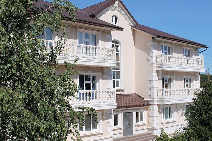 Коттедж-дворец для свадьбы,семинара - Balashikha - Ev