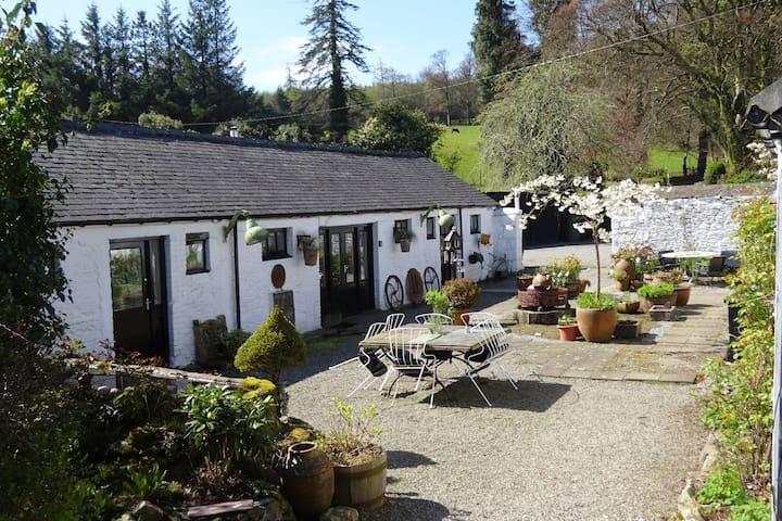 Stable Cottage,Clara Vale, Glendalough, Co Wicklow - Rathdrum - Hus
