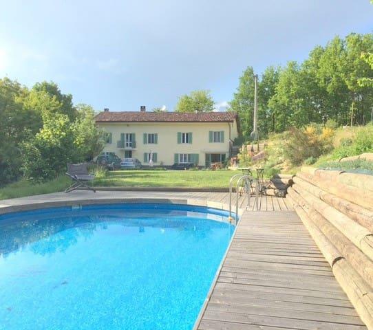 Charming farmhouse hideaway with pool near Asti - Belveglio - Casa