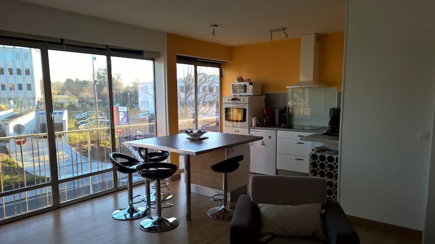 Idéalement situé, Appartement refait a neuf - Dieppe - Apartment