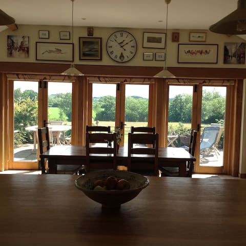 Beautiful Historic Herefordshire Farmhouse - Bearwood - Hus