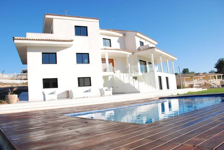 Modern Luxury Villa - Amazing Views - Alberic - Villa