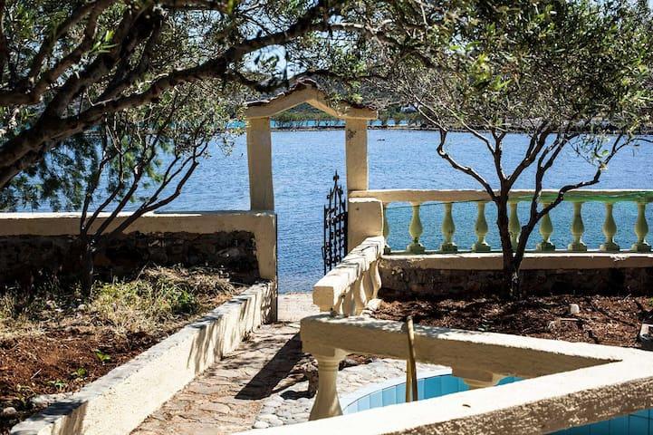 Sea view house,garden,terrazzo cret - Elounda - Leilighet