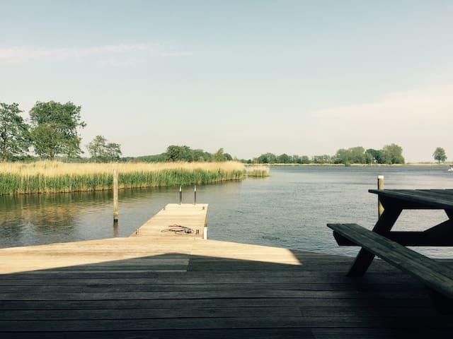 Prachtige woning aan 'de Groene Ster'natuurgebied! - Leeuwarden - Maison