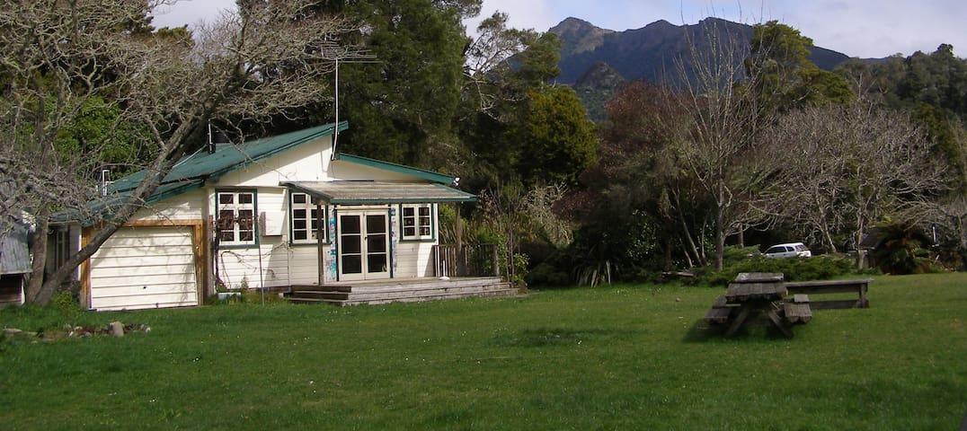 Mountain Valley School; families, groups, fishing - Motueka Valley - Casa