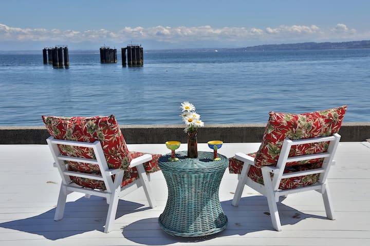 Whidbey Island Beach Paradise Home, Hot Tub, BBQ - Clinton