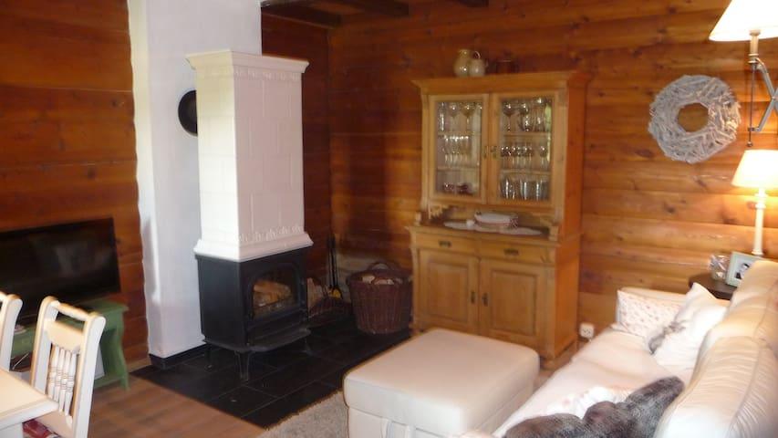 Urgemütliches Haus auf traumhaftem Grundstück - Rödental - Hus