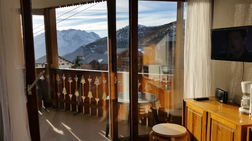 One room apartment at Alpe d'Huez down town - Huez - Appartement