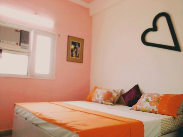 Doctor home stay & full power cafe. - Agra - Appartement