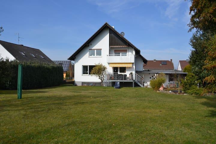 Tolle Wohnung/Balkon in Wolfershausen bei Kassel - Felsberg - Departamento