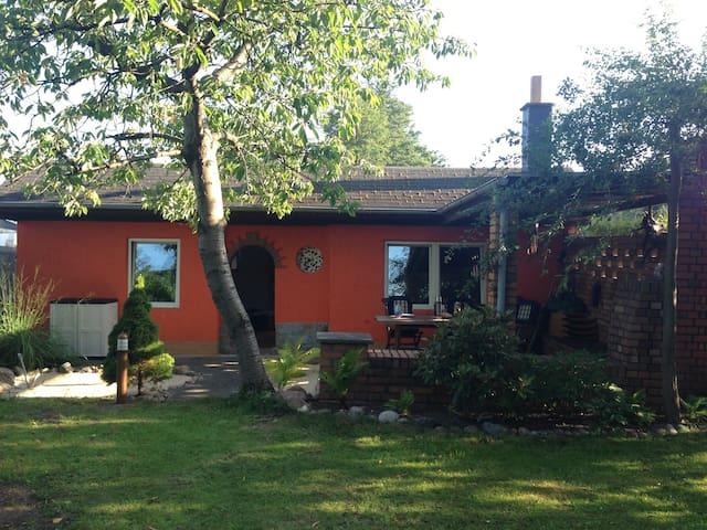 Waterside: Cozy Cabin in the Nature - Berlin - Bungalow