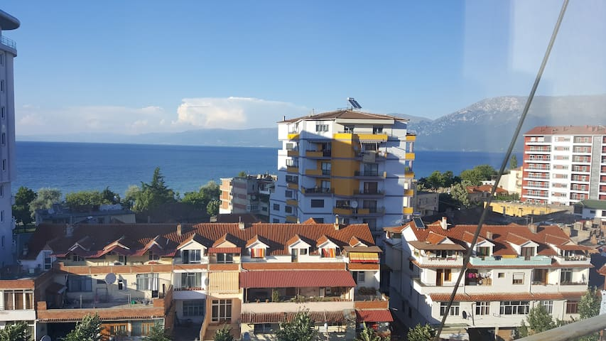 Cozy Apartment Near Lake Ohrid - Pogradec - Lägenhet