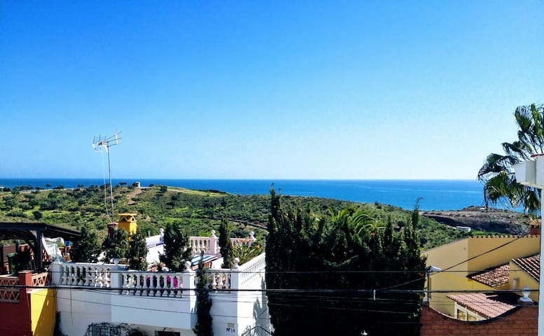 House on the beach of Benajarafe, ideal for family - Vélez-Málaga - Rumah