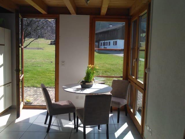 Charming Studio in the middle of mother nature - Läufelfingen - Condominium
