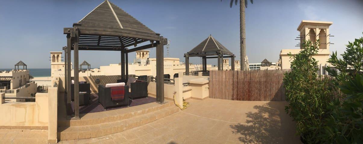 Sunset House (entire villa) - Dubai - Villa