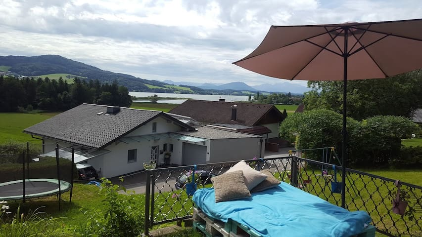 Nice room in Salzburg/Seeham directly at the lake! - Seeham - Talo