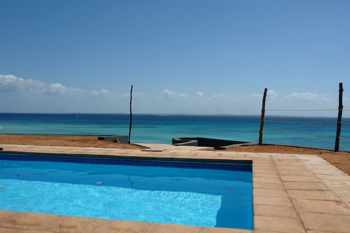 Fully Equipped Beach Front Bungalow (sleeps 3) - Pemba