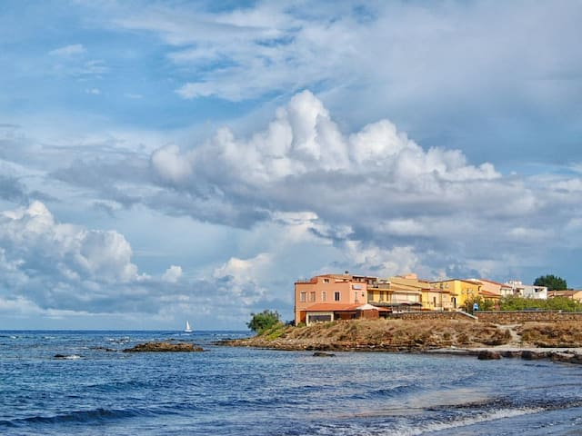 Casa Arco Blu nuova a due passi dal mare!! - La Caletta - Casa