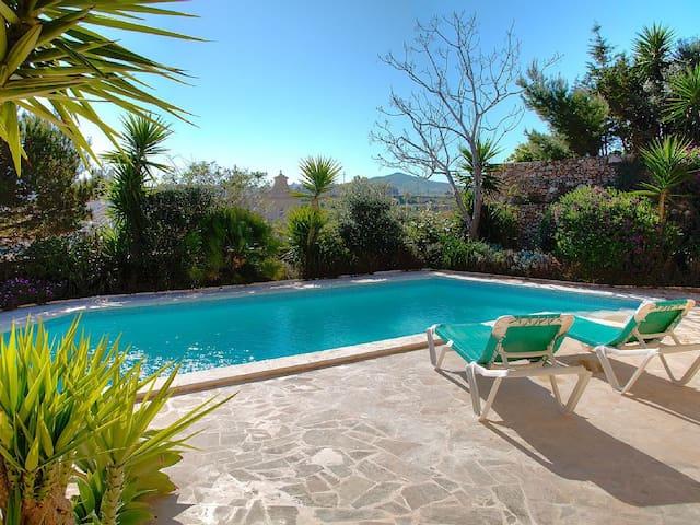 Gharb Villa, tranquil and peaceful - L-Għarb - Casa