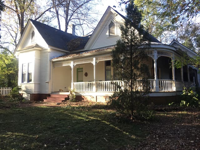 Historic & Artsy -Walkable to town! - Athens - Haus