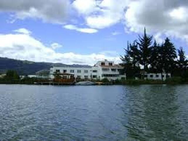 hotel  económico en paipa con ingreso  piscinas. - Paipa - Boutique-Hotel