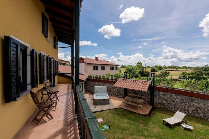 Vila Friuli Karst - Komen - Maison