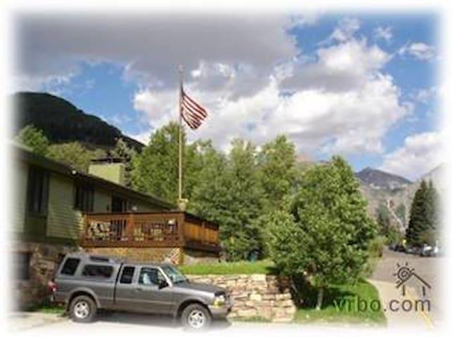 Rob Story Ski Lodge: Master Bedroom - Telluride