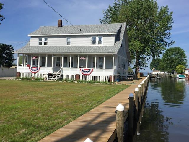 Lake St Clair Swan View Inn - Port Cabin - Algonac - Leilighet