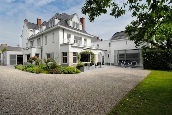Bailiff house for 14 persons - Tielt - Casa