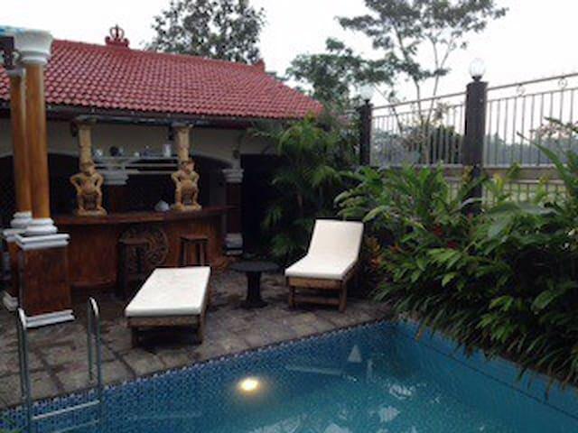 Villa Belanda rust en privacy new! - Wlingi - Haus