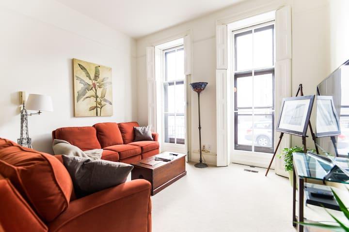 Historic Delaware Avenue 2BD Apartment w/ Parking - Wilmington - Lägenhet