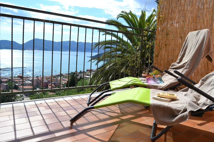 Houset with view on Lerici for 4 guest - Lerici