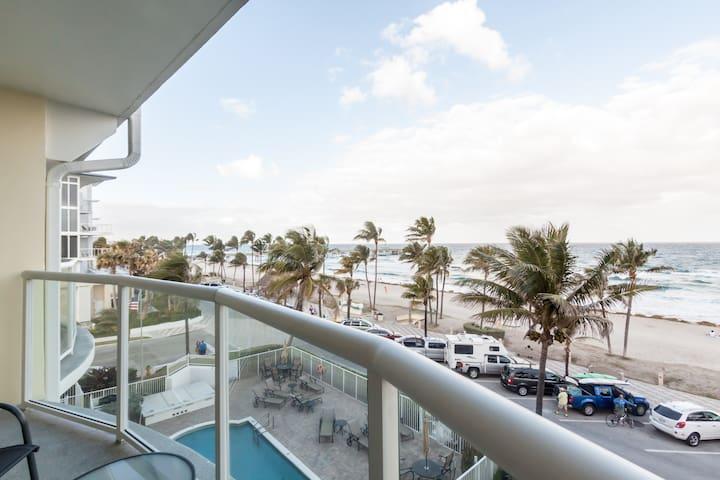 Remodeled ocean front Apartment. - Deerfield Beach