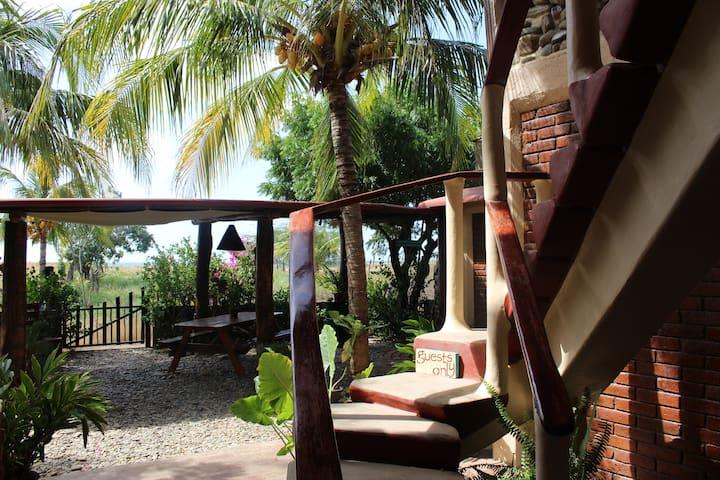 La Vaca Loca, Seaside Bed & Breakfast - Las Salinas - Bed & Breakfast