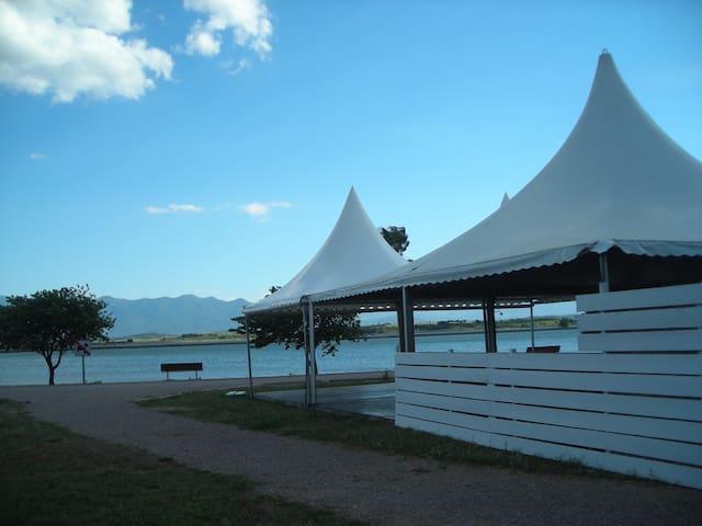 Collocation villa 3 chambres au bord du lac - Villeneuve-de-la-Raho - Hus