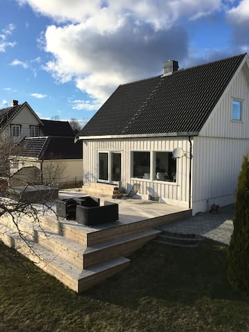3 bedroom house with jacuzzi - Tønsberg - 一軒家