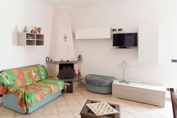 Camera matrimoniale con bagno priva - Aprilia
