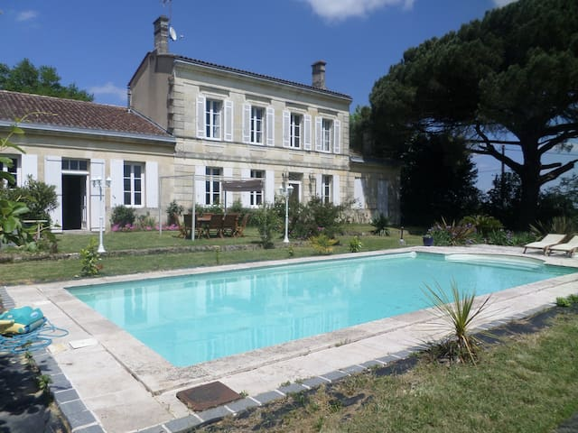 Charming sunny suite in the heart of the vineyards - Pugnac - Huis