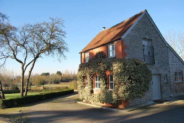 Cute cottage with views of Glastonbury Tor - Somerset - Rumah