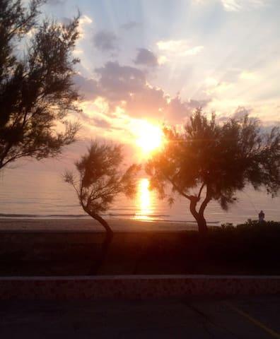 Italy, Puglia-Sunny beach front 2br - Lendinuso
