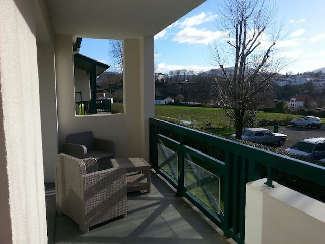 Appartement T3  Neuf Bas Cambo - Cambo-les-Bains - Bed & Breakfast