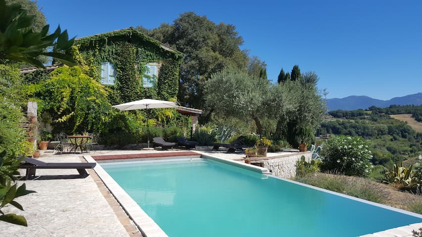 Villa Bellavista with great view - Stimigliano - Huis