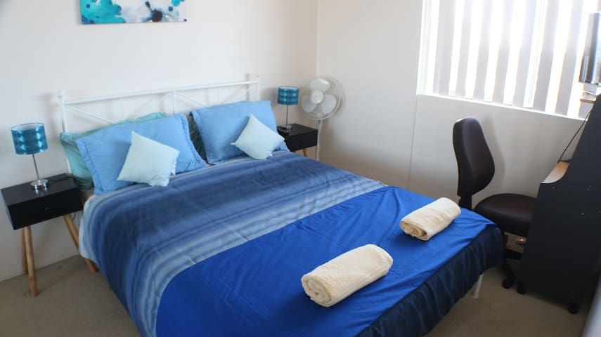 Beautiful Room Close to Beach and Airport - Brighton-Le-Sands