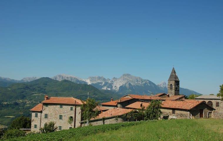 Tuscan retreat in the unspoilt Garfagnana region - Orzaglia