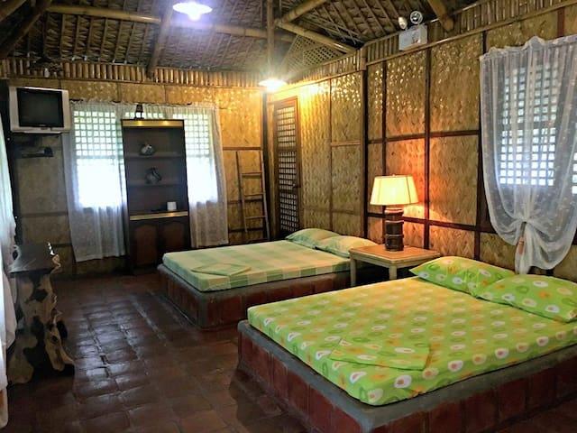 Tierra de Lago resort 1BR  cottage for 6 - Los Baños - Stuga
