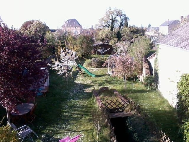Cosy and comfortable house with garden near zoo - Doué-la-Fontaine - Casa