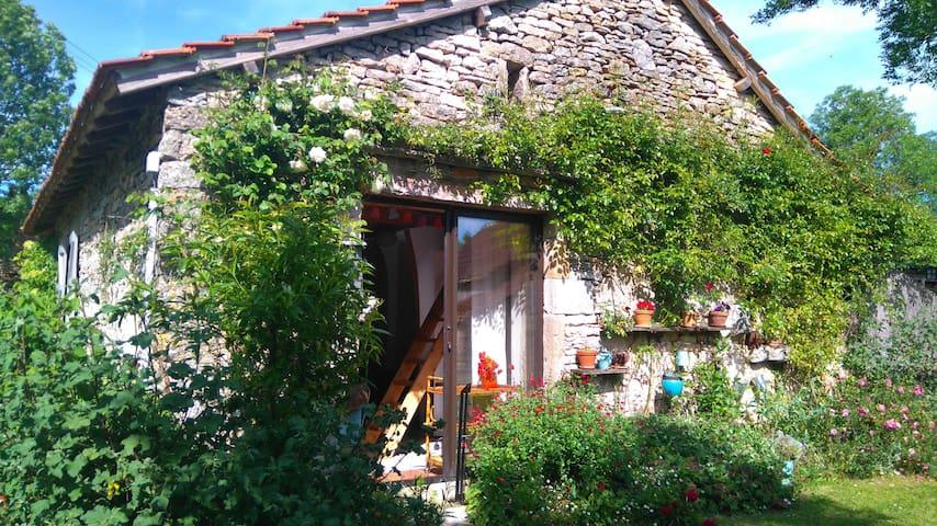 petit studio à la campagne - Promilhanes - Departamento