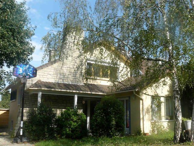 jolie maison dans un quartier calme - Conflans-Sainte-Honorine